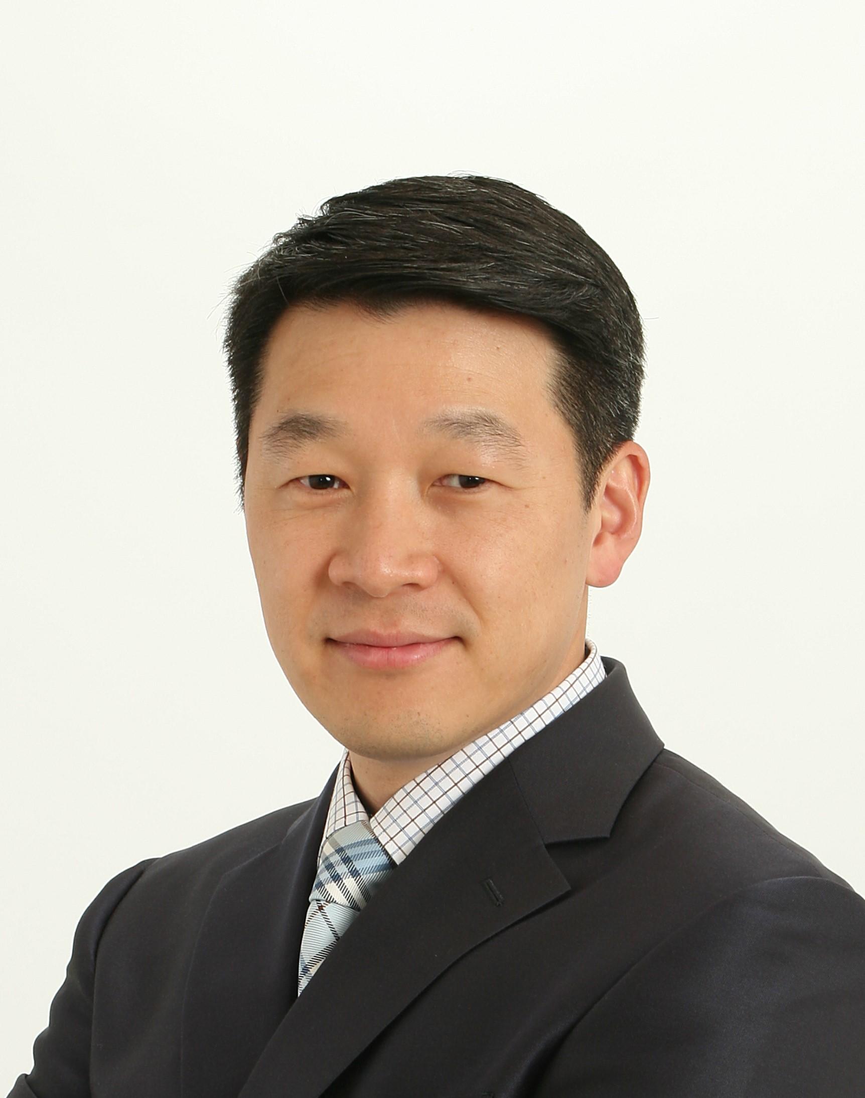 Dr. Dan Shin